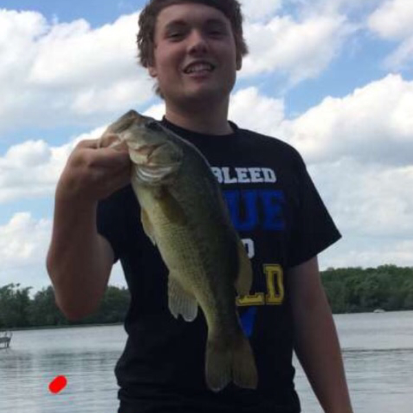 2 lbs / 19 in Largemouth bass caught by Jack Warshauer