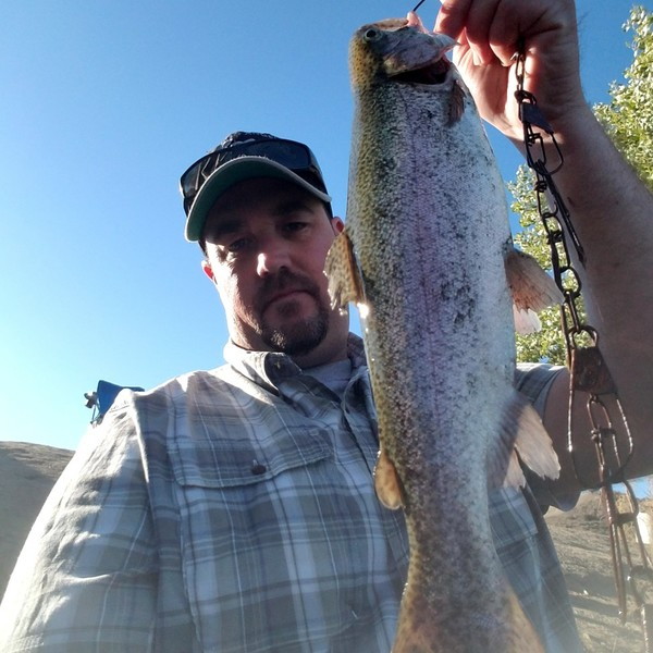 2.5 lbs / 18 in Rainbow trout caught by chris mohnz
